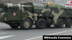 """Оперативно-тактические ракетные комплексы """"Искандер-М"""""""