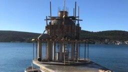 Izgradnja krstionice na Ostrvu cvijeća