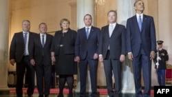 Учасники саміту (л > п): прем'єри Ісландії Сіґюрдюр Інґі Йоуханссон, Данії Ларс Лекке Расмуссен, Норвегії Ерна Сульберґ, Швеції Стефан Левен, президенти Фінляндії Саулі Нійністе і США Барак Обама, Вашингтон, 13 травня 2016 року
