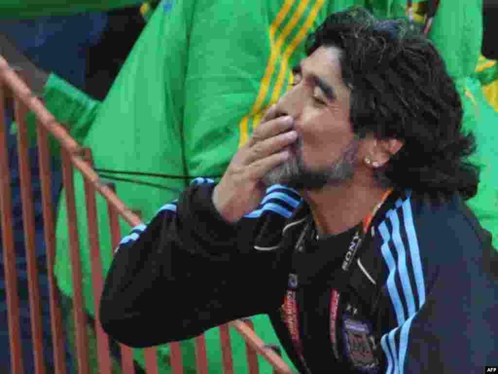 Argentinski trener Diego Maradona Foto: AFP / Roberto Schmidt