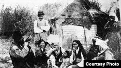 Октябрь революциясына чейинки кыргыздар. Архивдик сүрөт