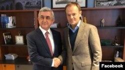 Belgium -- Former European Council President Donald Tusk (R) and former Armenian President Serzh Sarkisian meet in Brussels, March 5, 2020.