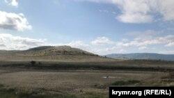 Bürçek köyü yanında quruğan tıynaq, Qarasuvbazar rayonı