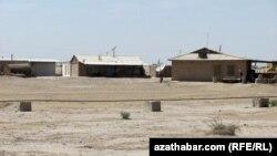 """Turkmenistanyň Lebap welaýatyndaky """"Gazak obasy"""". Lebap, aprel, 2012."""
