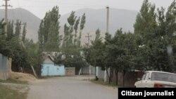 Үңкүр-Тоонун Кербен шаарынан көрүнүшү