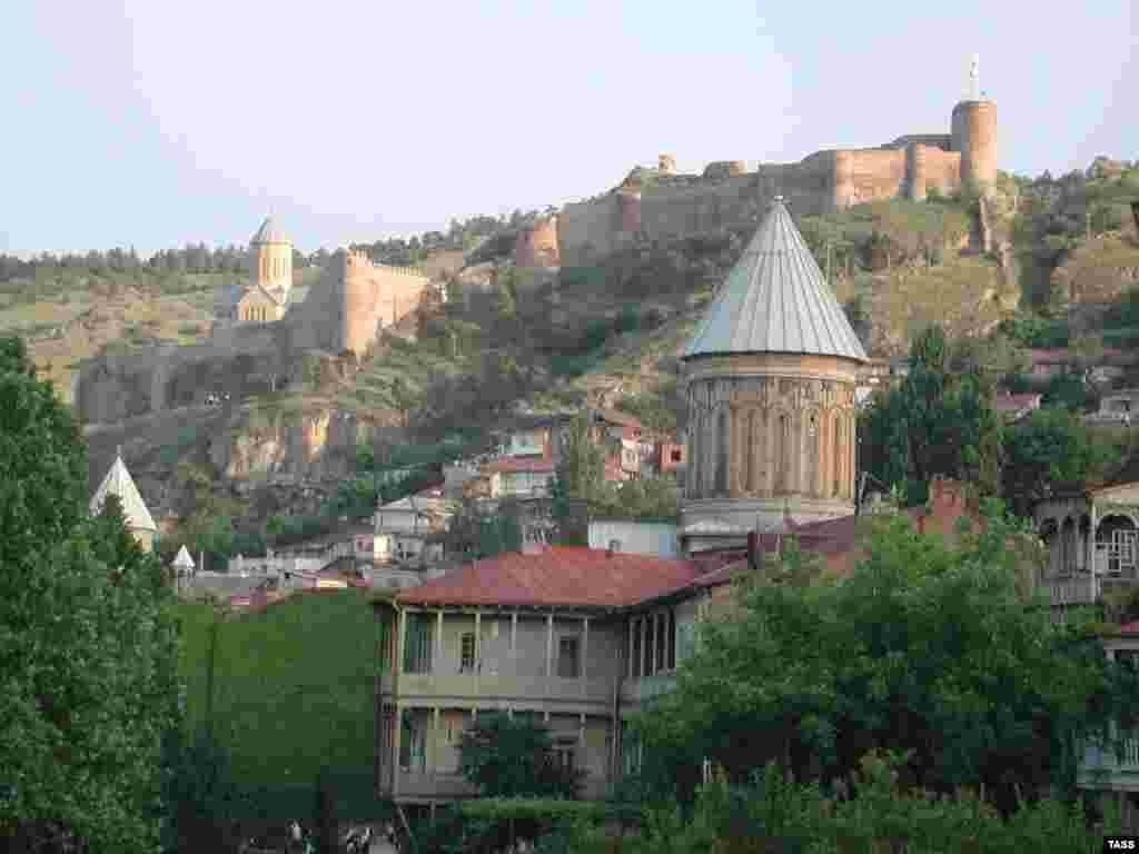 Vedere a vechiului Tbilisi