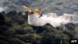 Hrvatski kanaderi gase požar kod Jablanice