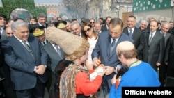 Prezident hər il Bakıda Novruz şənlinkərində Kosa ilə yumurta döyüşdürür
