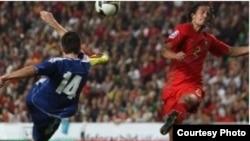 Португалия Боснияны 1:0 эсебинде жеңип, дүйнөлүк чемпионатка жолдомо алды, 14-ноябрь 2009-ж.