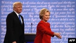 Гілларі Клінтон і Дональд Трамп після перших теледебатів, 26 вересня 2016 року