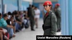 یکی از حوزههای رأیگیری یکشنبه در ونزوئلا.