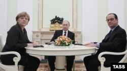 Анґела Меркель, Франсуа Олланд (п) і Володимир Путін (архівне фото)