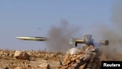 شلیک یک موشک ضدتانک توسط نیروهای ارتش آزاد سوریه