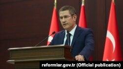 Ministri i Mbrojtjes së Turqisë, Nurettin Canikli