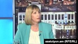 Посол США в Армении Линн Трейси дает интервью Радио Азатутюн, 15 апреля 2019 г.