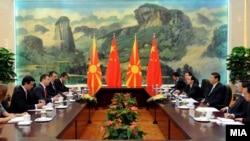 Македонскиот премиер Никола Груевски кој престојува во посета на Народна Република Кина, 2013.