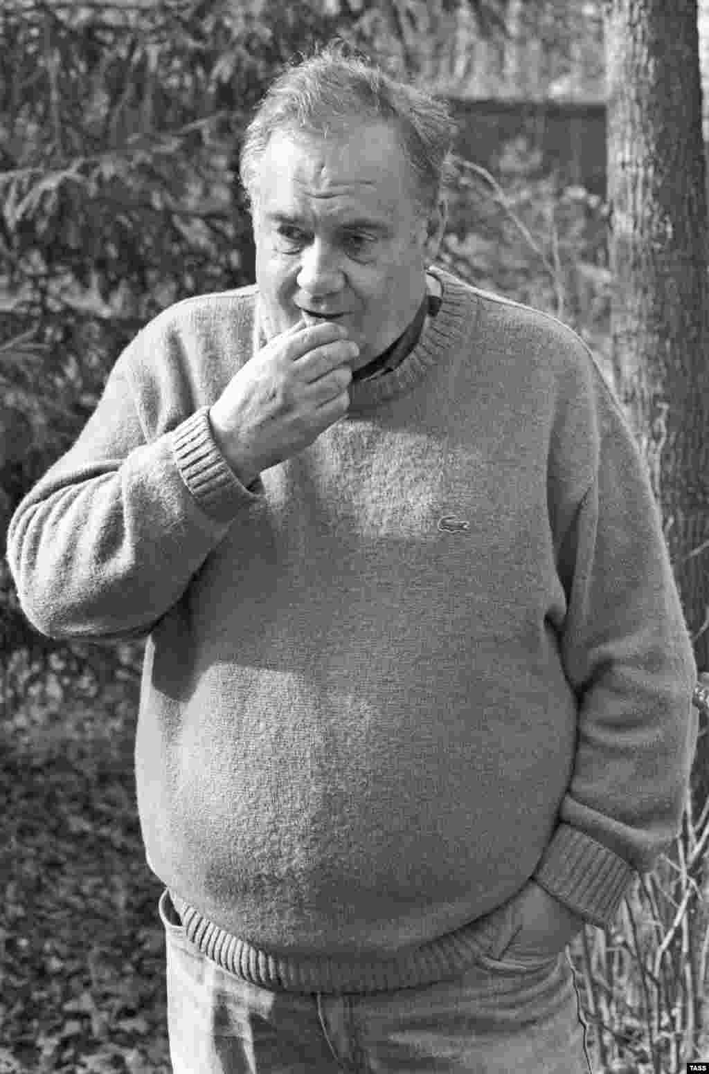 Ryazanov (shown in 1991) continued working after the Soviet Union fell apart, although his later films never achieved the same cult status.