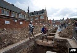 La locul descoperirii arheologice