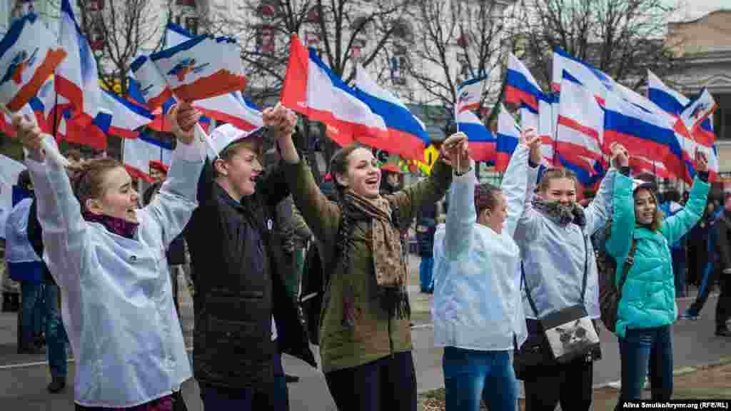 Aqmescitte «referendumnıñ» yıllığı qayd etile, 2017 senesi mart 16 künü