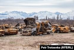 Сгоревшие автомобили в селе Масанчи, Жамбылская область. 26 февраля 2020 года.