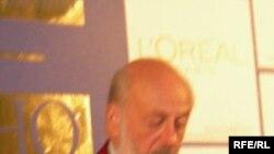 Бертран Блие на пресс-конференции, посвященной его картине «Сколько ты стоишь?»