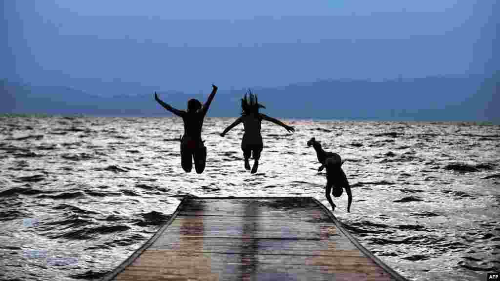 Makedonija - Ohridsko jezero, 12. juli 2012. Foto: AFP / Robert Atanasovski
