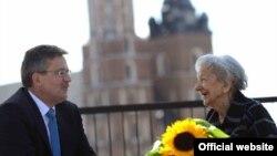 Президент Польщі Броніслав Коморовський і Віслава Шимборська, Краків, 17 січня 2012 року