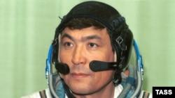 Тохтар Аубакиров, первый космонавт Казахстана, в день возвращения на Землю. 10 октября 1991 года.