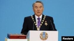 Қозоғистон Президенти Нурсултон Назарбоев.