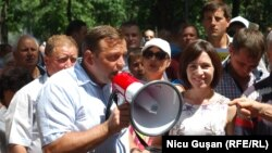 Moldova - Andrei Nastase and Maia Sandu, protest against changes electoral system, Chisinau