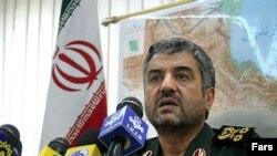 فرمانده سپاه پاسداران ایران طی ماه های گذشته چندین بار از واکنش ایران به حمله احتمالی سخن گفته است. (عکس از فارس)