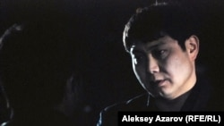 Один из персонажей-чекистов (сотрудник ДКНБ по Южно-Казахстанской области). Кадр из фильма «Регион 13».