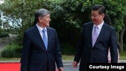 Главы государств Кыргызстана и Китая в Пекине. Май 2014.