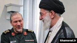 مشاور نظامی خامنهای (چپ) از رفتار انتخاباتی مردم تلویحا انتقاد کرده و گفته است: «چه کنیم که مردم ما احساساتی هستند».