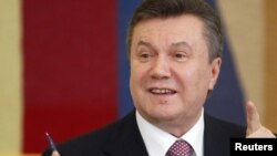 Ukraine -- President Viktor Yanukovych speaks during a news conference in Kiev, 22Apr2010