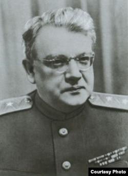 Петр Федотов