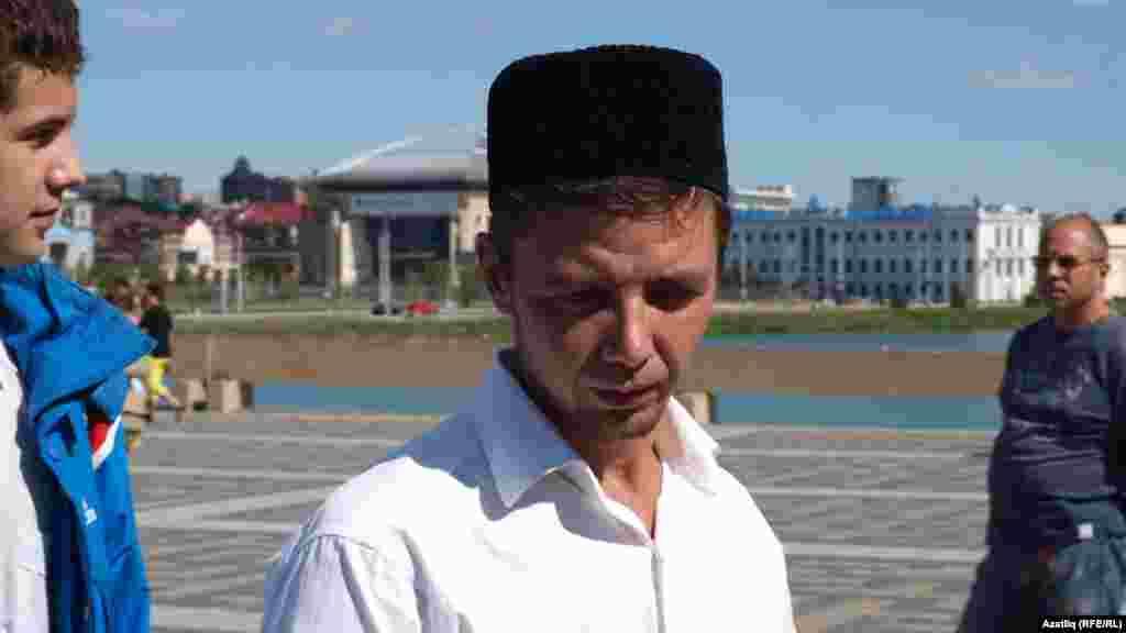 """""""Райян"""" төркеме җырчысы Азат Адиев"""