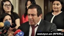 ԲՀԿ առաջնորդ Գագիկ Ծառուկյանը զրուցում է լրագրողների հետ, Երևան, 9-ը սեպտեմբերի, 2019թ․