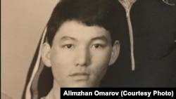 Студент первого курса Казахского государственного университета имени С. М. Кирова Алимжан Омаров. Алматы, 1986 год.