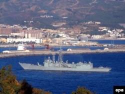 "Фрегат ВМС Испании ""Наварра"" в порту Сеуты"
