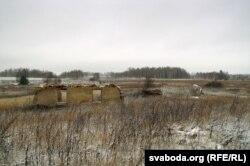 Разбураны кароўнік — усё, што засталося з калгаснага мінулага Ананічаў