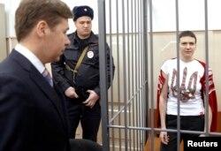 Надія Савченко під час засідання Басманного суду у Москві. 10 лютого 2015 року