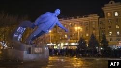 Повалення пам'яника Леніну у Дніпропетровську. 29 січня 2016 року
