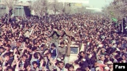 Supporters of the Islamic Revolution demonstrate in Tehran, 1979