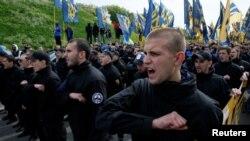Ukrajinski pokret Azov ima mnogo ratnih veterana i militanata za članove sa otvorenim neonacističkim stajalištima