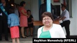 Директор средней школы села Кайназар Алматинской области Туйгынай Кошенова. 25 мая 2013 года.