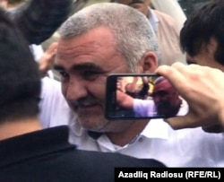 Afqan Muxtarli arrives at court in Baku on May 31.