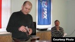 На прэзэнтацыі кнігі Ігара Цішкіна (ён справа)