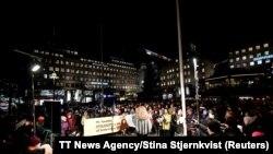 Okupljeni na protestu u glavnom gradu Švedske zbog dodjele nagrade austrijskom piscu