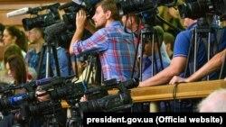 Найбільшу кількість порушень – дев'ять – експерти зафіксували в категорії «перешкоджання законній журналістській діяльності»